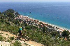 Mountain biking on Le Manie plateau in Finale Ligure