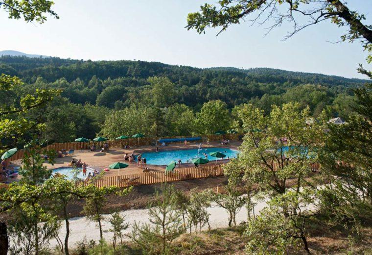 camping-huttopia-sud-ardeche-swimming-pool-view